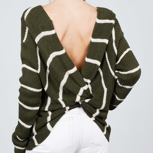 🌸NWT!Twist Back Stripe Sweater Top